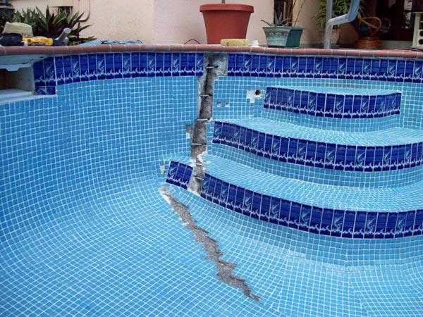 Verifica cedimento terreno attorno la piscina ricerca - Numero di telefono piscina ortacesus ...